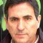 """Carlos Pérez Torres: """"La literatura nos reconcilia con el mundo aliviándonos la carga de su peso"""""""