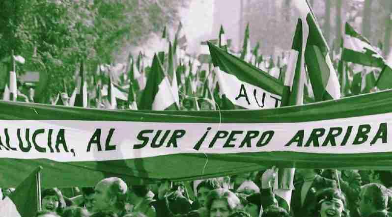 """""""Andalucía, al sur ¡pero arriba!"""" Manifestación del 4 de diciembre de 1977 en Sevilla."""
