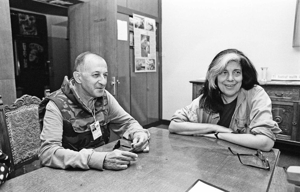 Juan Goytisolo con Susan Sontag. Foto de Gervasio Sánchez