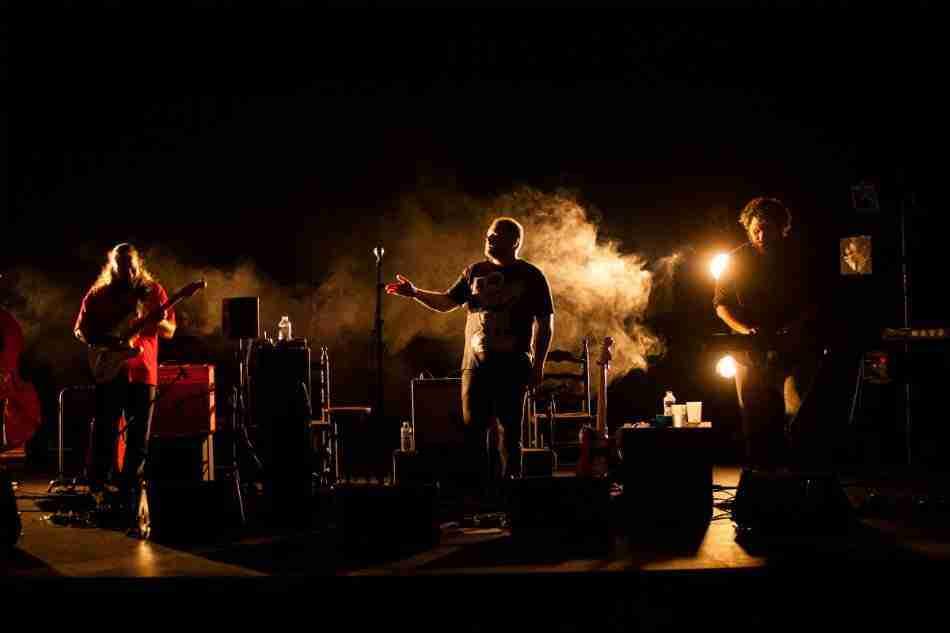 Niño de Elche, Voces del Extremo (banda). Foto de Julio Albarrán