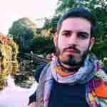 Fran Navarro: «La poesía cuyos únicos canales son el instinto o la sensibilidad está agotada»