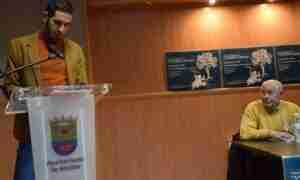 Fran Navarro recibe el Premio Antonio Carvajal