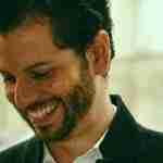 Diego Medina: «Ante la inmediatez de la información anecdótica y las muertes convertidas en cifras, la poesía es bálsamo y refugio»