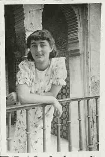 Mariluz Escribano, de niña, en la Alhambra